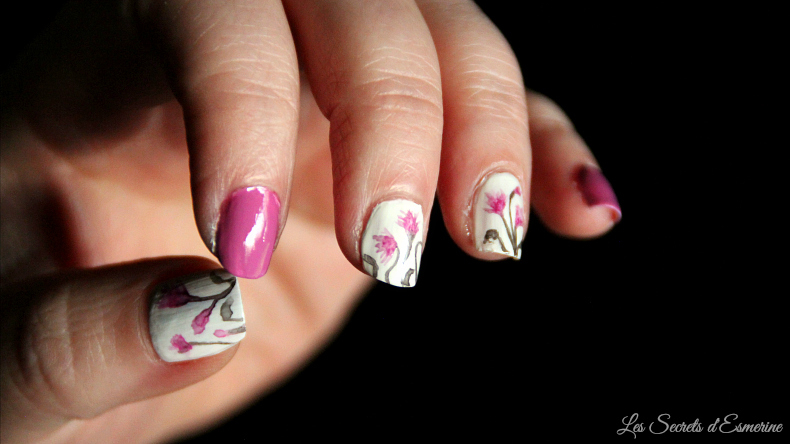 première fois : nail art floral à l'aquarelle