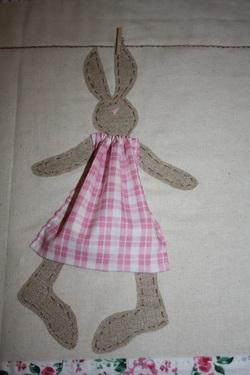 """Lessive de """"lapins"""" : les costumes."""