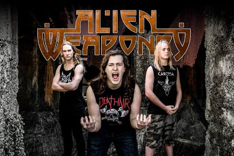 "ALIEN WEAPONRY - Les détails du nouvel album Tū ; Clip ""Holding My Breath"""