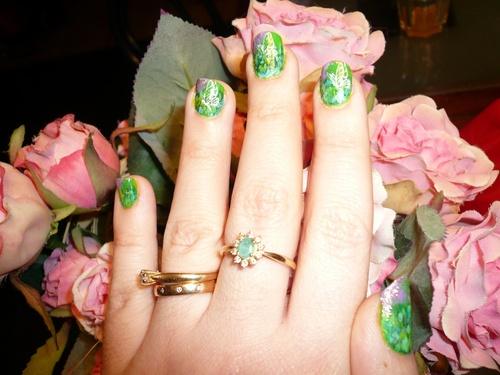 Premier nail art acrylique réalisé pour le giveaway de Lulline