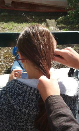 4 manières de mettre un pic à cheveux