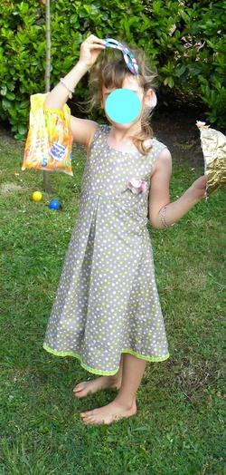 Petite robe printanière pour un anniversaire