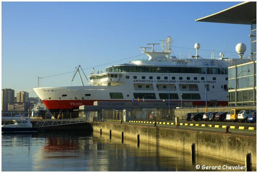 A Coruña - Le Ms Fram dans le port.