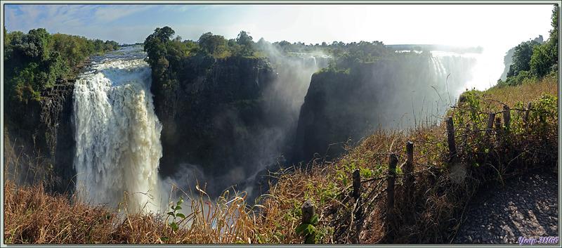 Devil's Falls (Les Chutes du Diable) - Chutes Victoria - Zimbabwe