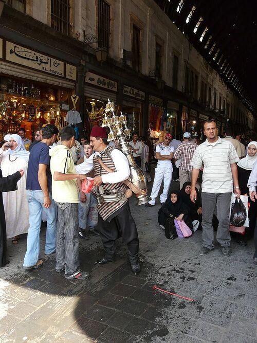 petits boulots à Damas; porteur d'eau;