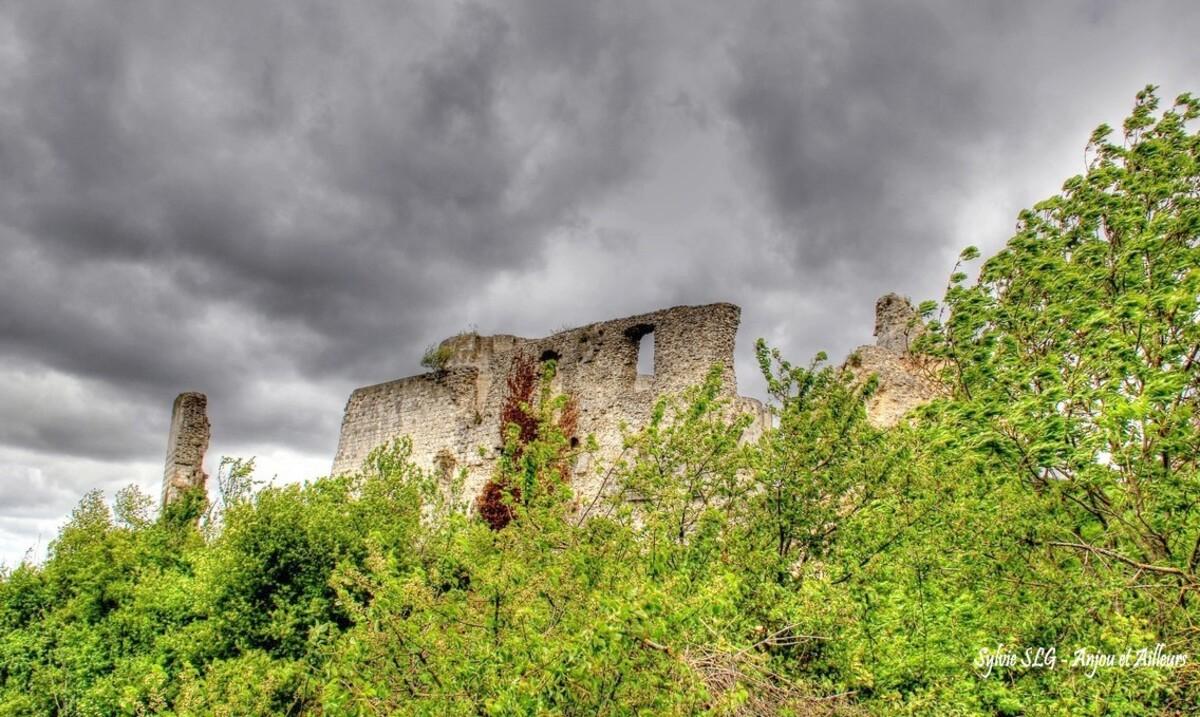 Les ruines du château de Richard Coeur de Lion ...