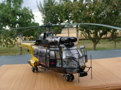 Maquette hélicoptère SA 330 Puma Royal Air Force(RAF) XW224 au 1/32