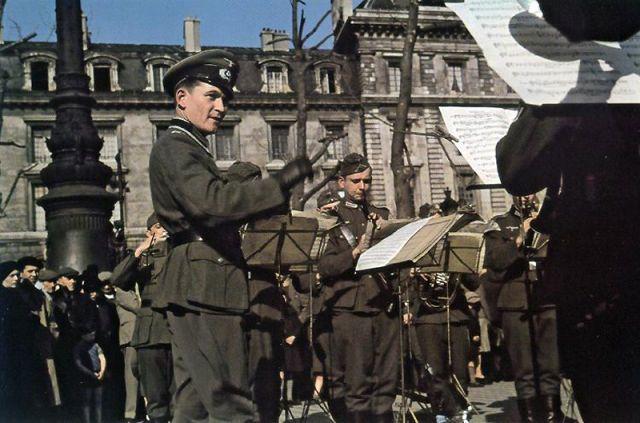 Andre Zucca: Nazi Propaganda Photos - Paris during WW23