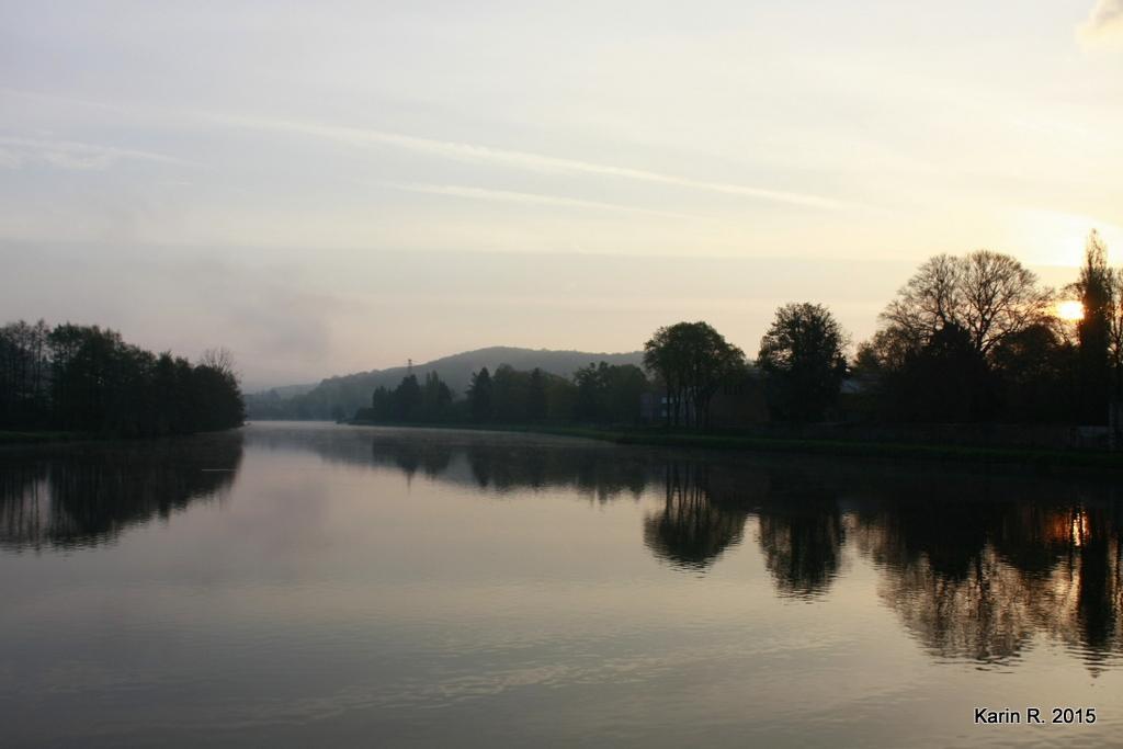 Aube d'un bord de Meuse