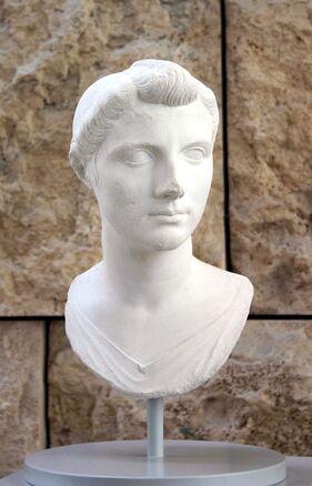 Description de l'image 8106 - Roma - Ara Pacis - Ottavia Minore - Foto Giovanni Dall'Orto - 30-Mar-2008.jpg.