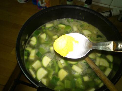 un petit plat végétarien tout simple : du Riz aux légumes vert et safran