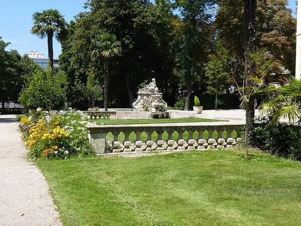 Jardin de Magalone le parc b (1)
