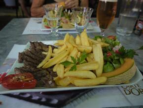 Steak frites salade