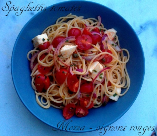 Spaghettis marinés, tomates - mozzarella