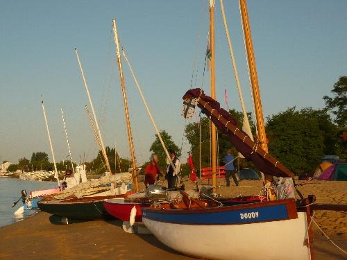 Raid nautique en canot voile-avirons