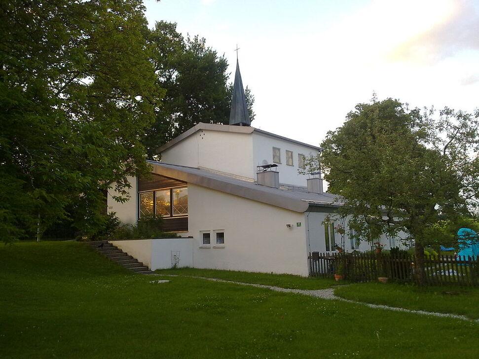 Evang.-Luth. Michaelskapelle Dietramszell.jpg