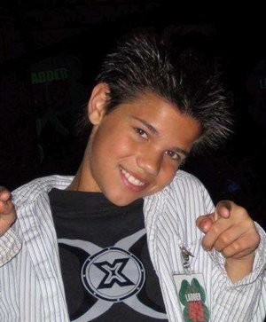 Taylor Lautner petit !