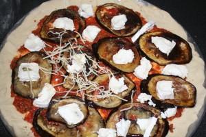 pizza-piquante-aubergine-chevre-10-11--3-.JPG