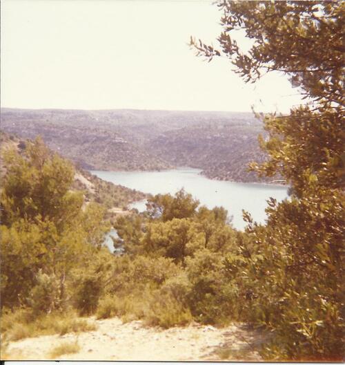Le lac au camping naturiste de Verdon Provence