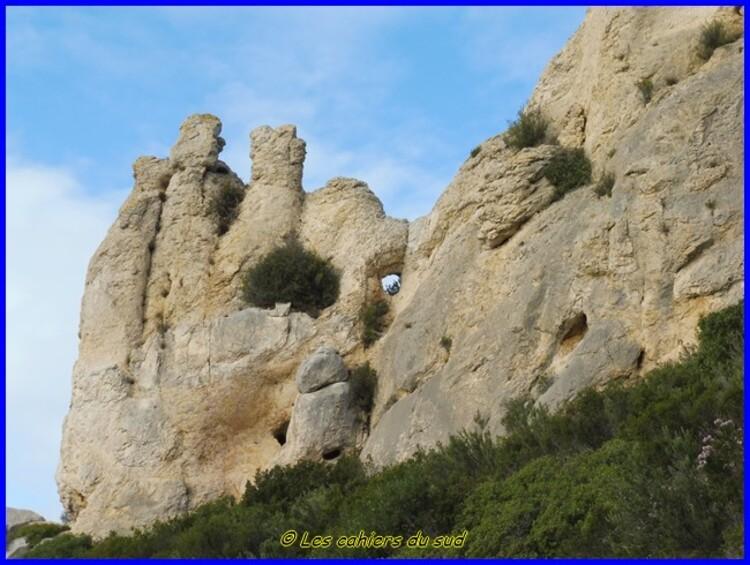 Le sentier des crêtes de Soubeyrannes