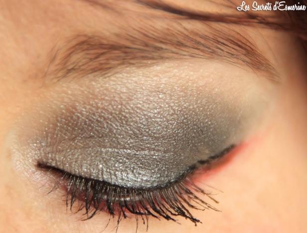 maquillage des yeux, gris, rouge