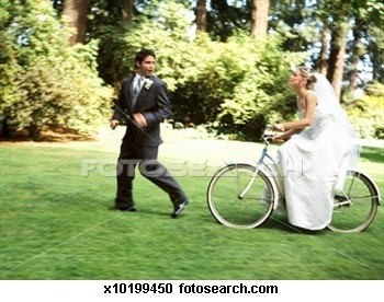 bride-chasing-groom_~x10199450