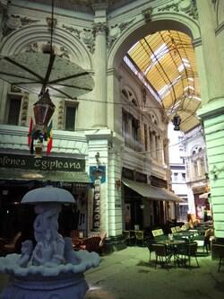 - Bucarest