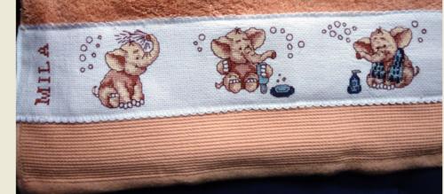 VERONIQUE  serviettes naissance