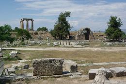 Ancienne Corinthe - temple d'Apollon et commerces nord
