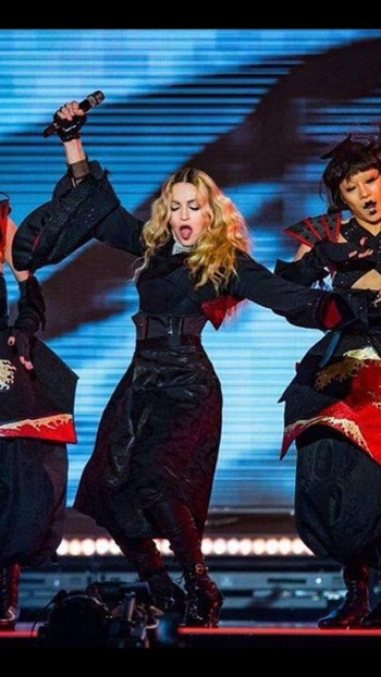 Rebel Heart Tour - 2015 12 14 Manchester (1)