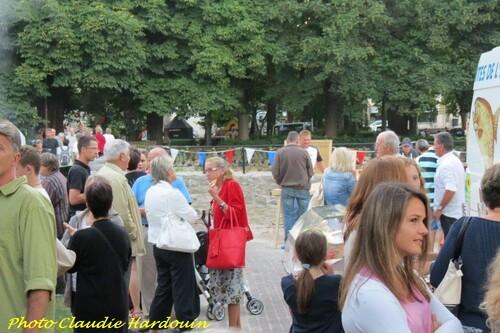 Une jolie fête nocturne organisée par les Vitrines Châtillonnaises ...