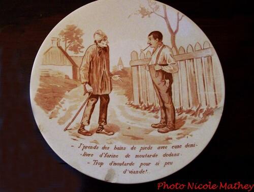 """Une assiette décorée """"à la Morvandelle"""".."""