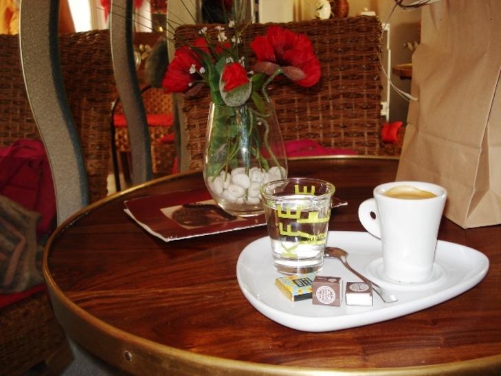 Le petit café du grand amour.