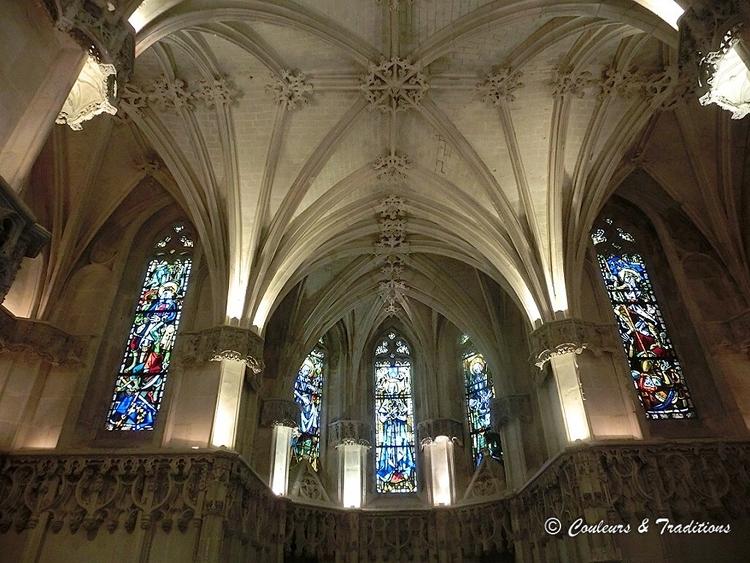 L'intérieur de la Chapelle St Hubert