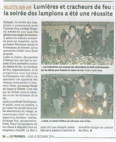 Fleur en échasses pour la fête des lampions à Villette sur Ain