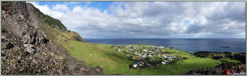 L'accès au sommet se fait par une sente assez difficile, à la limite dangereuse et parfois les mains sont nécessaires - Edinburgh of the Seven Seas - Tristan da Cunha