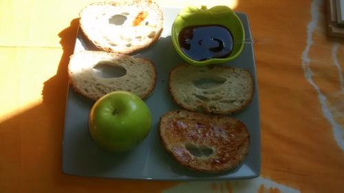 Idée de petit dej: Pain, miel et thé_La cuisinette de Laurette