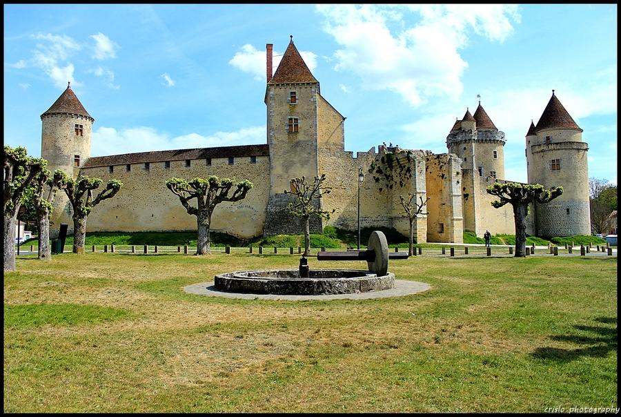 le château de Blandy les tours