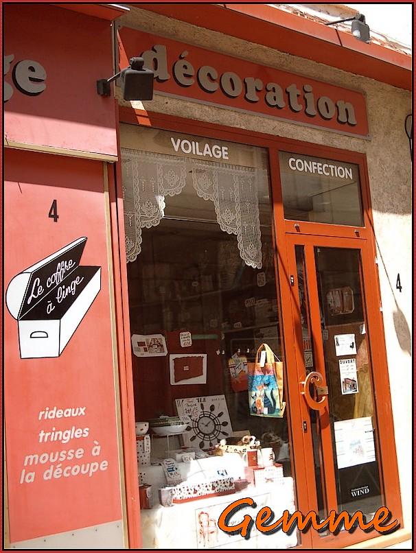 Voilage, confection, Sainte-Foy Village