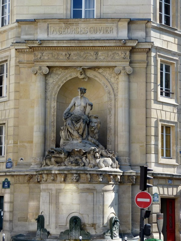 20 - Fontaine Cuvier