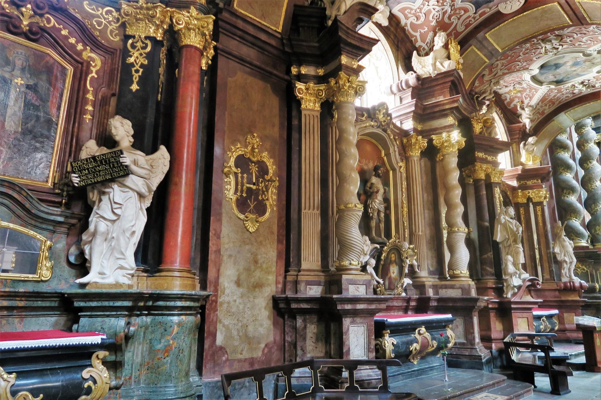 Sanctuaire de Notre-Dame du Perpétuel Secours, ancienne église Jésuite