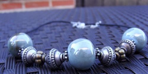 collier en perles de faïence