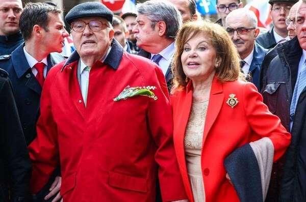 A l'écart de ses filles, Jean-Marie Le Pen s'est marié religieusement avec sa femme Jany