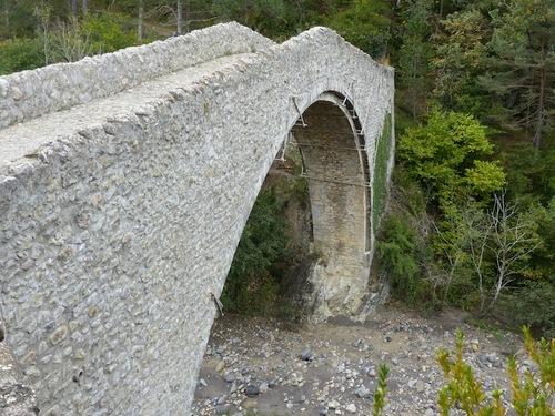 Du pont de la Reine Jeanne à St Symphorien