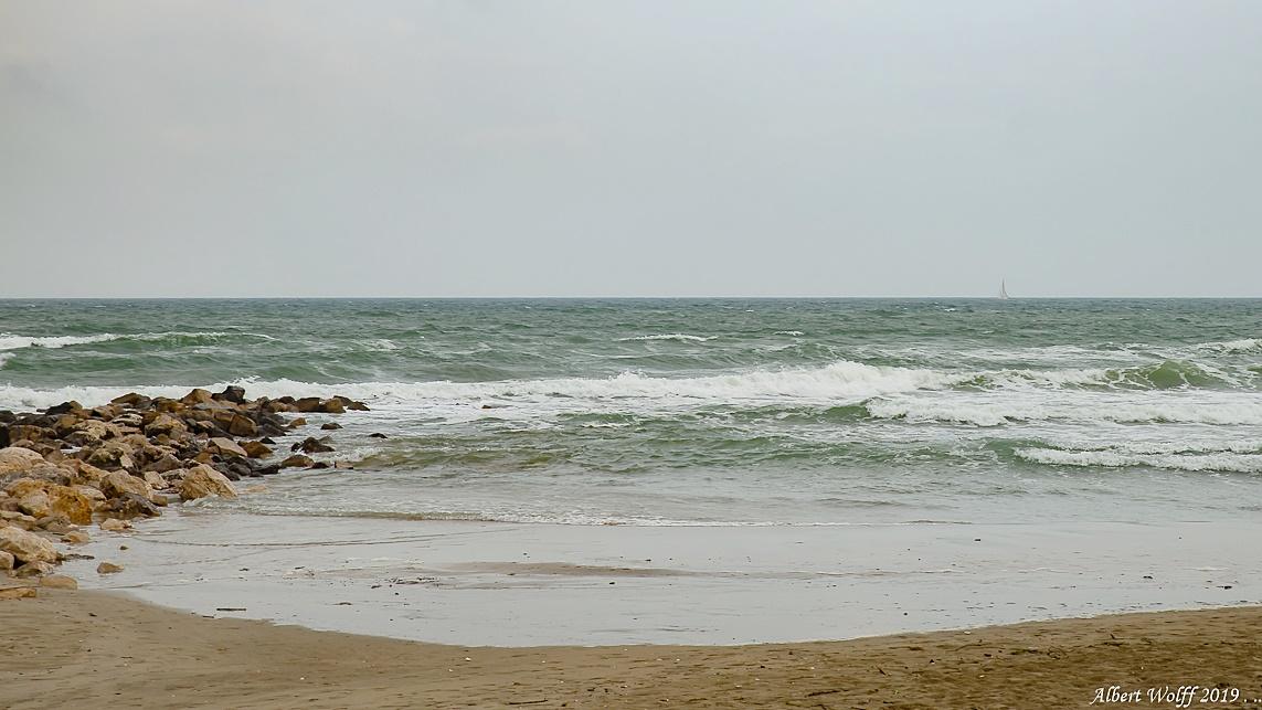 Carnon - Quand la mer bouge un  peu.
