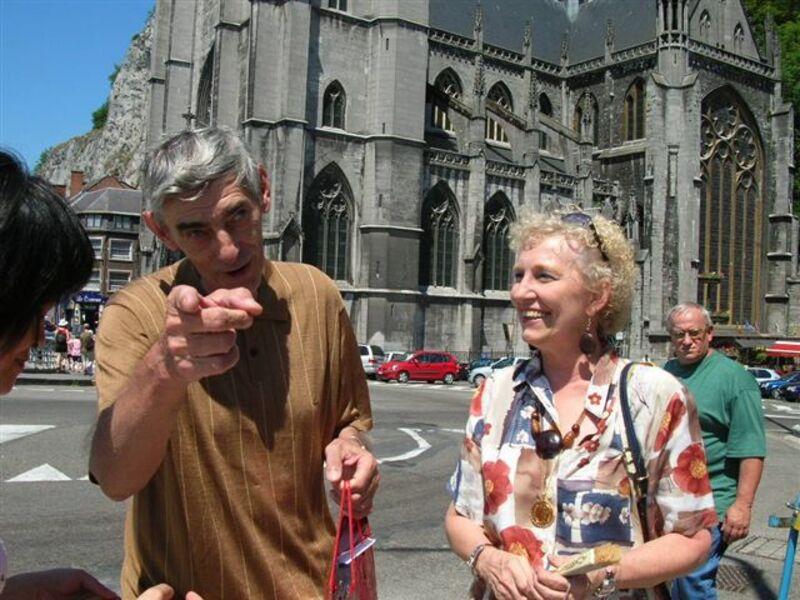 SOUVENIR D'UNE PREMIERE RENCONTRE SURPRISE A DINANT
