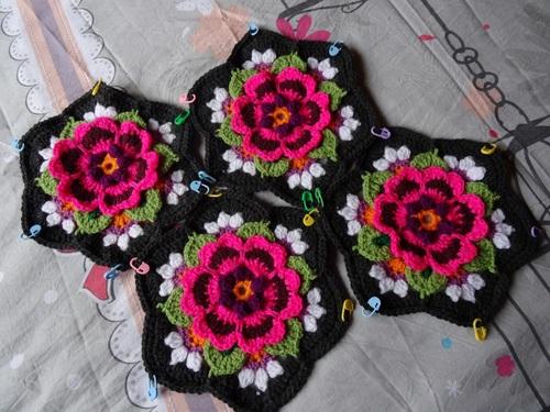 Frida's flower partie 5