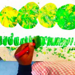 Nos jolies chenilles en peinture