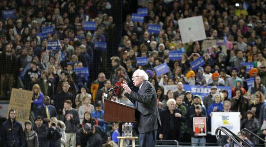 Bernie Sanders a réuni 17 000 partisans à Seattle, dans l'Etat de Washington, qui vote le 26 mars  pour la primaire démocrate.