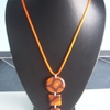 collier orange marron 10euros